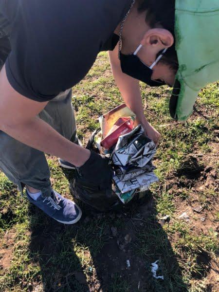 El ejemplo de los jóvenes: convocaron por Instagram y limpiaron los alrededores del Parque Cabañas