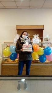 Panadería Ameghino entregó premios a ganadores del sorteo por el Día del Niño