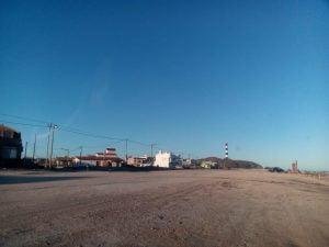 Soleado, ventoso y frío domingo en Claromecó