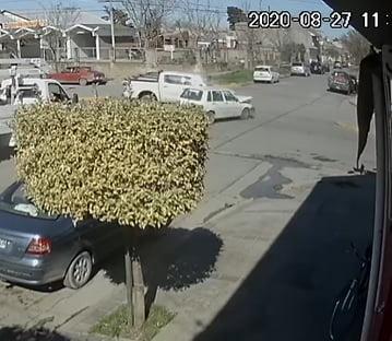 Así fue el accidente de Av. San Martín y Tacuarí (video)