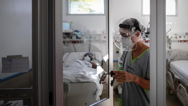 En las últimas 24 horas hubo 149 muertes y 7.498 nuevos contagios de Covid-19