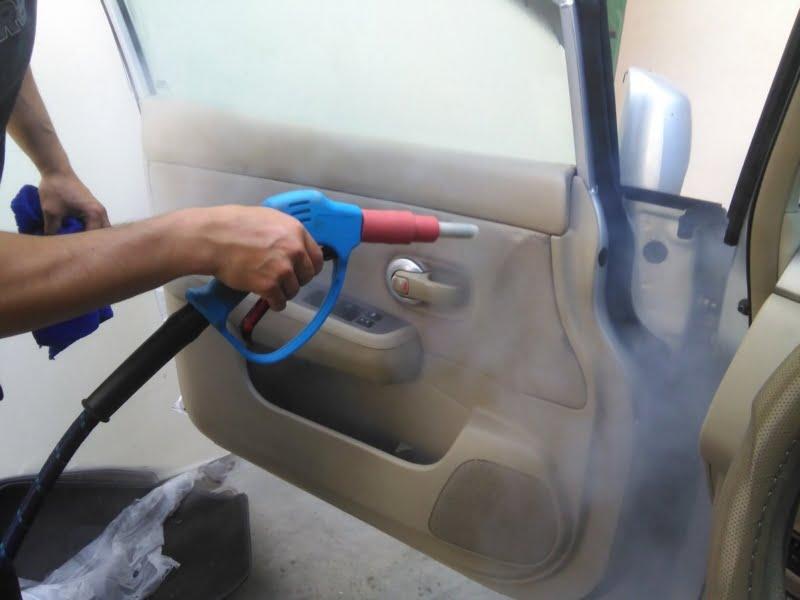 Desinfección de vehículos en el Corralón Municipal