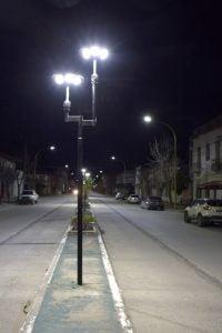 Cambian luminarias en San Cayetano