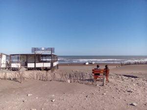 Jornada soleada y ventosa en Claromecó