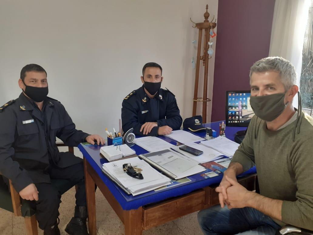 Caparrós recibió a jefes policiales en De la Garma