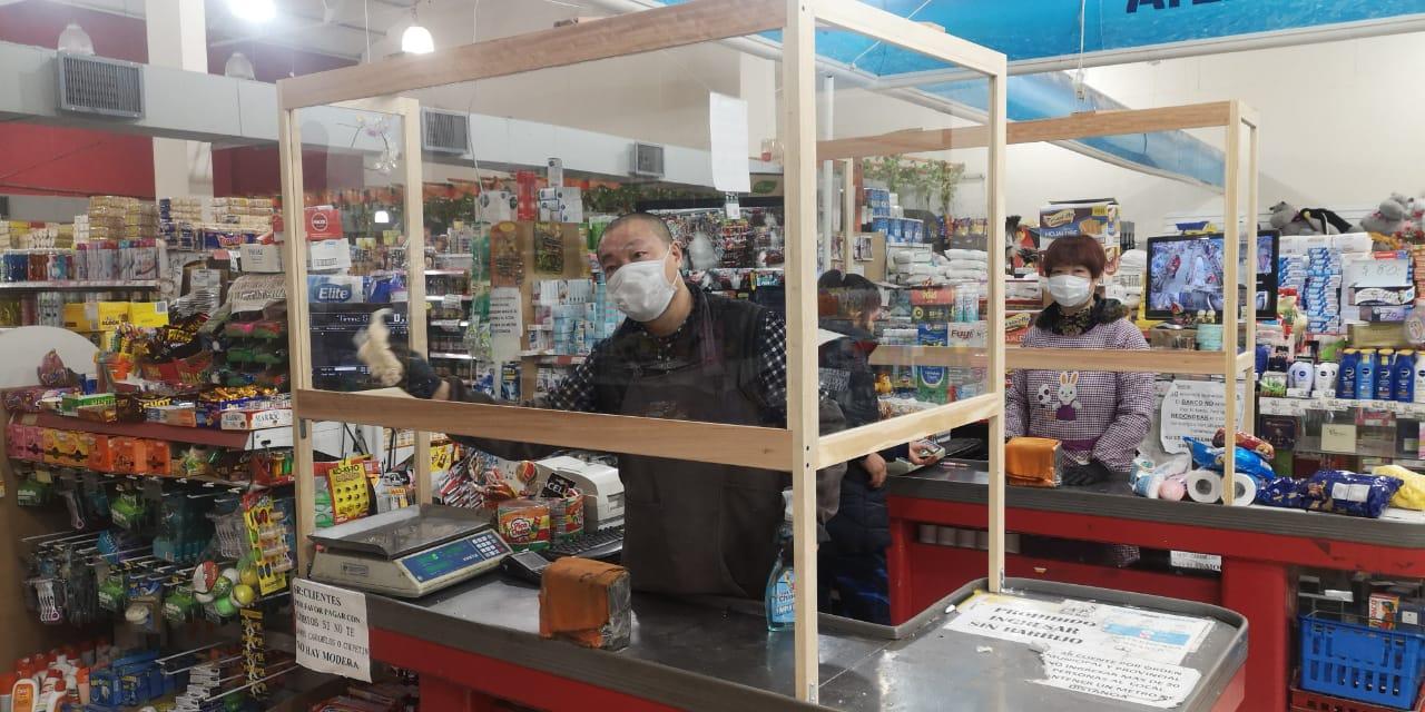 COVID-19 en Chaves: los comercios incorporaron cerramientos de protección