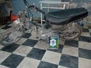 Secuestran una moto robada en operativo policial