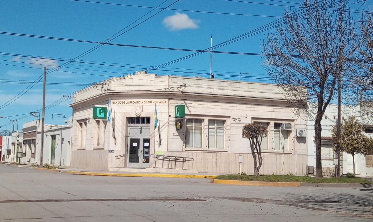 Banco Provincia de Orense cerrado por coronavirus. Empleados y tres policías aislados