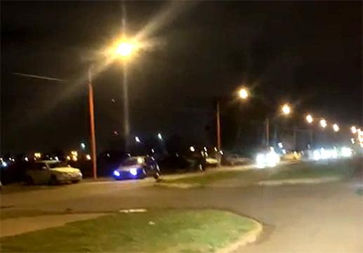 Incesante movimiento, anoche, en avenida Libertad, entre el camino de cintura y el Parque Cabañas (video)