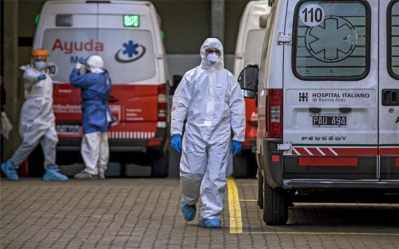 Récord: 429 muertes y 8.782 nuevos casos positivos por COVID en el país