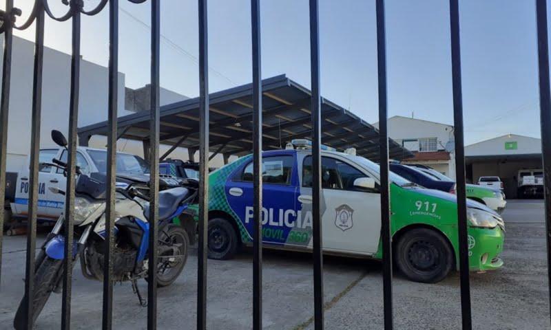 Allanan Comando de Patrullas bahiense ante sospechas de que policías robaron dinero de un operativo