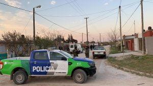 Gran operativo antidrogas con ocho allanamientos simultáneos en la zona sur de la ciudad. Participan 80 policias y 16 móviles (video)
