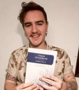 "Joven chavense editó el libro ""Vidas Invisibles"""