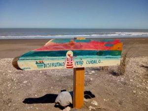 Instalaron carteles para Conciencia por la Salud Ambiental en Claromecó