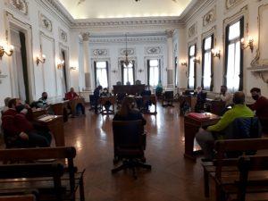 Bertoncello presentó ante los concejales la propuesta para los guardavidas