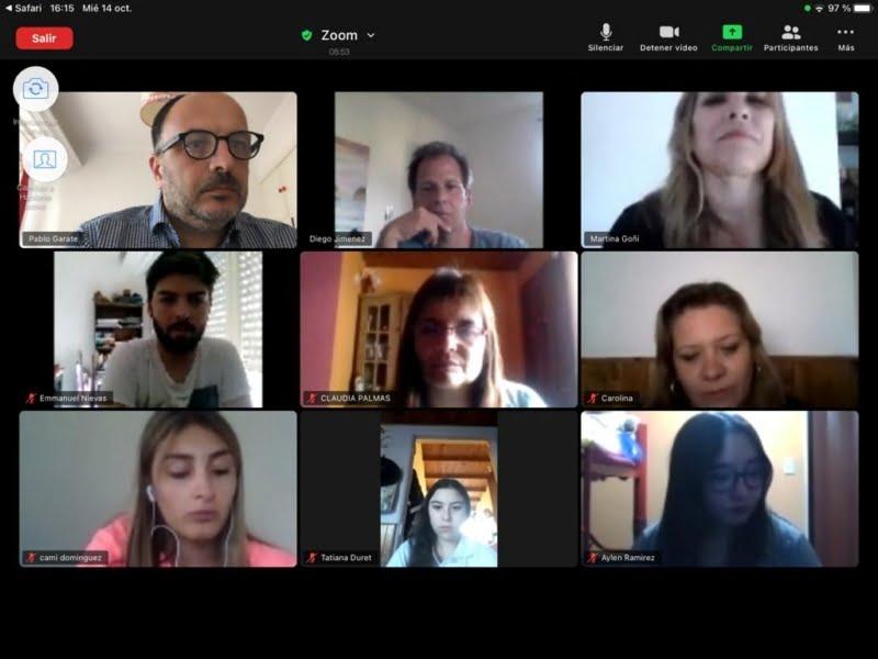 """Garate con alumnos participantes de """"Argentina se conecta"""" (video)"""