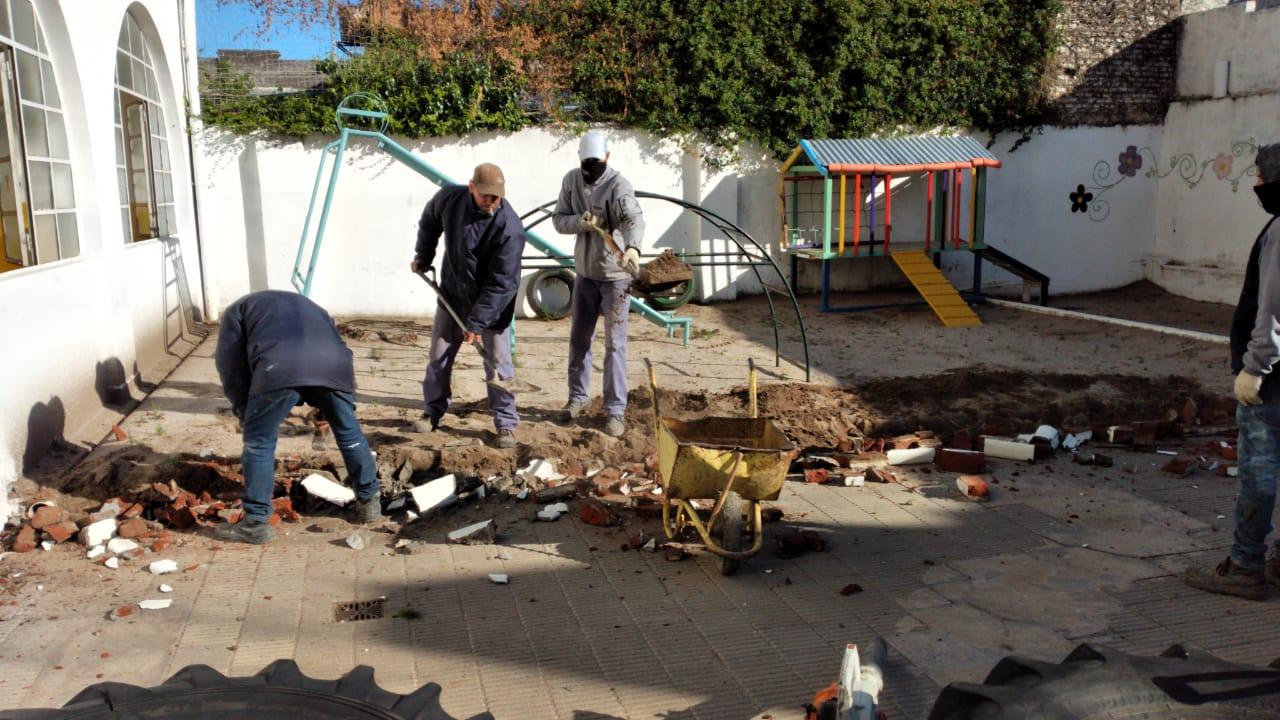 La Municipalidad realiza arreglos en el Colegio Nuestra Señora de Luján