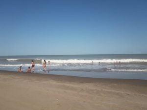 Tarde de playa en Reta (Video)