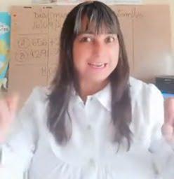 """Maestra de San Cayetano incentiva a sus alumnos con música de """"Los Palmeras"""" (video)"""