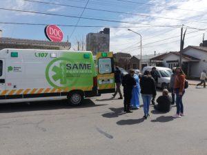 Accidente en Belgrano y Laprida: Trasladaron un hombre al hospital
