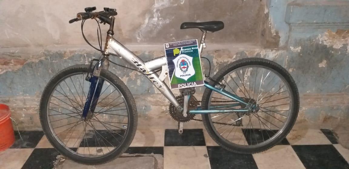 La Policía recuperó bicicleta robada, observando las cámaras de monitoreo