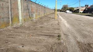 "El Municipio reacondiciona la vereda de la ""Bombonerita"""