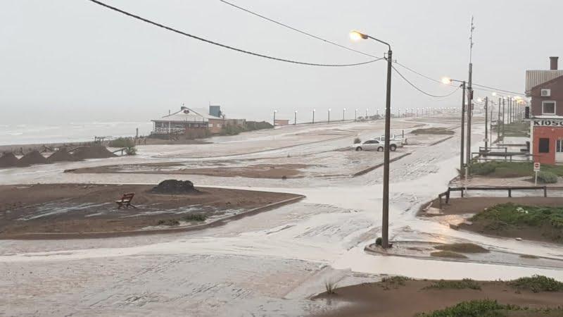 Claromecó, sitiado por la lluvia