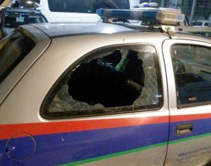 Apedrearon y rompieron vidrio de un móvil de la Patrulla Urbana