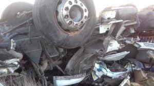 Volcó camión en Ruta 51: Dos heridos