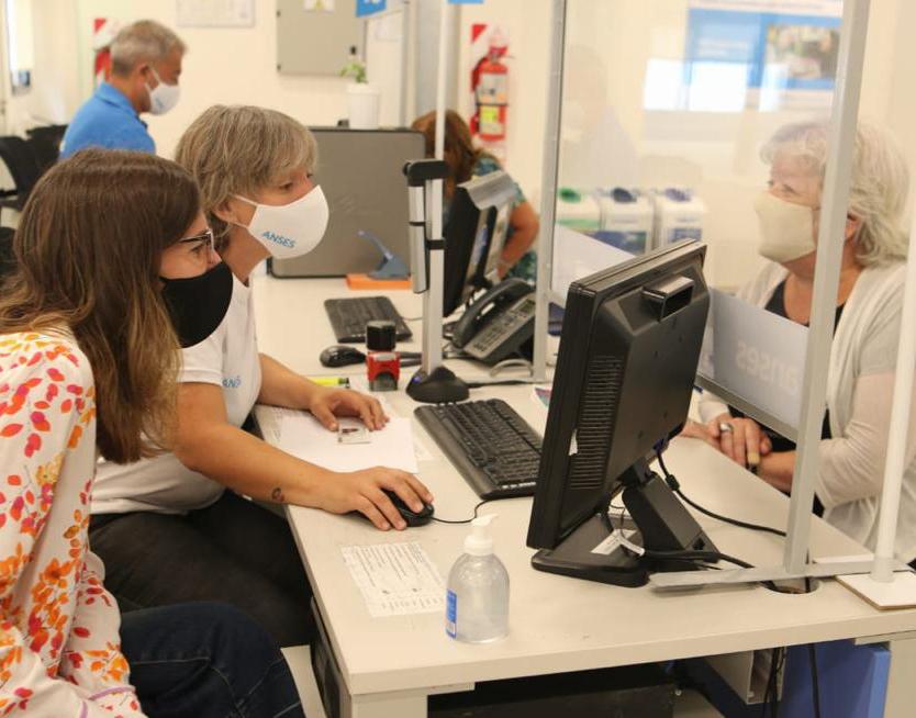 Fernanda Raverta anunció 250 mil millones de pesos en créditos para jubilados y pensionados