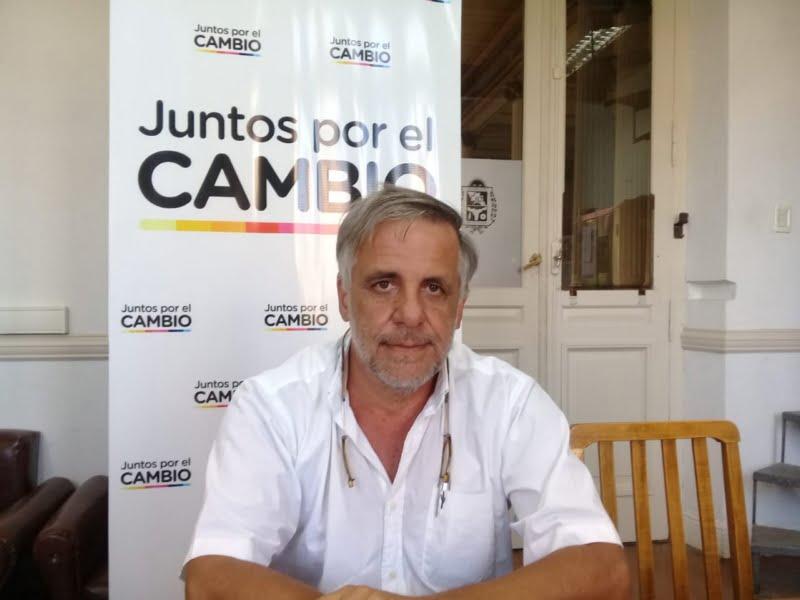 """Roberto Fabiano: """"donaremos el 20% de nuestra dieta durante todo el año"""""""