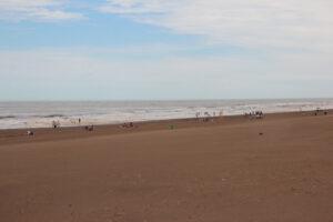 Claromecó: La tormenta cortó un domingo de playa