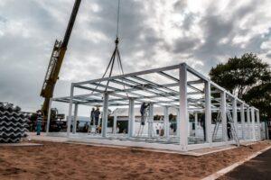 Avanza la construcción de hospitales modulares en centros turísticos del país