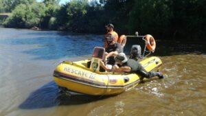 Siguen los rastrillajes en el arroyo Claromecó con la presencia del padre de Barreto