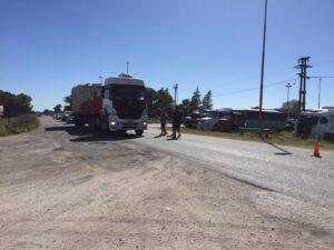 Paro de camioneros: acudieron autoridades municipales para acompañar y gestionar (videos)