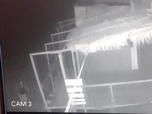 Atribuyen a tres jóvenes el robo de elementos de los guardavidas de Reta (videos)