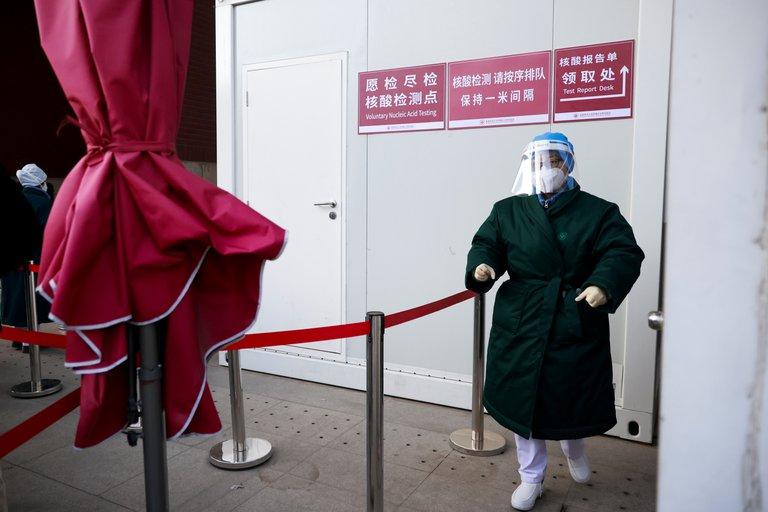 China hisopará por el ano para detectar Covid