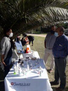 Carlos Sánchez recorrió la feria de emprendedores en el balneario Orense
