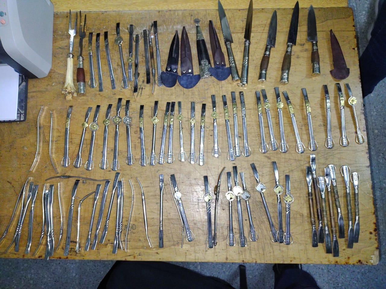 Aparecieron cuchillos y bombillas robadas a Sabattini. Un preso