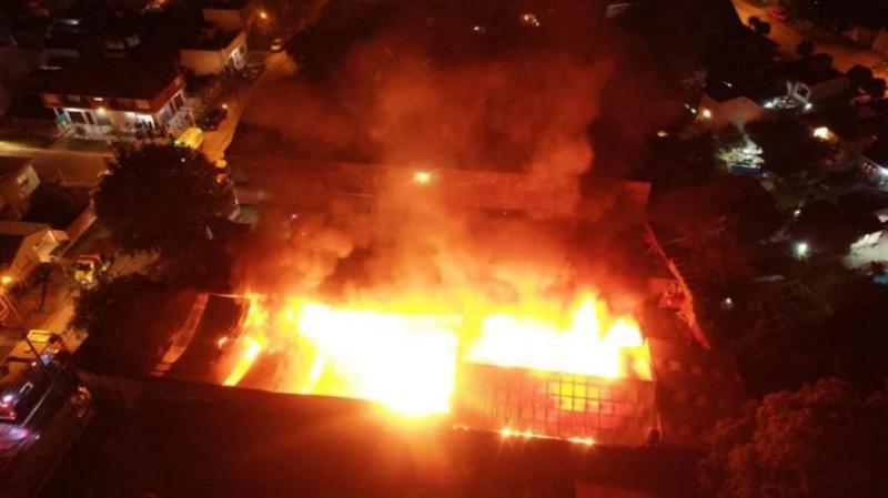 Mar del Plata: un incendio destruyó una papelera