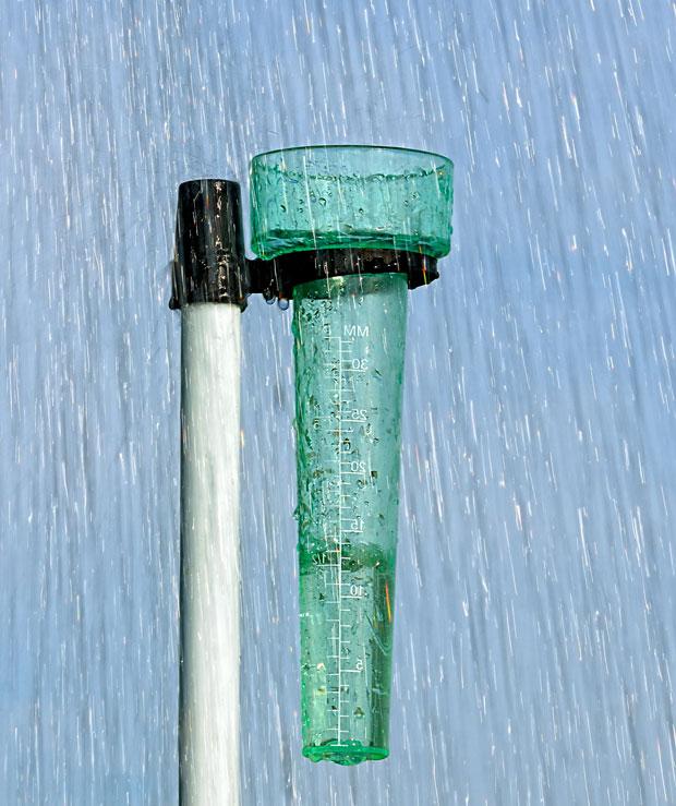 Llueve en Tres Arroyos. Registro Actual: 72 mm. Ver otros datos