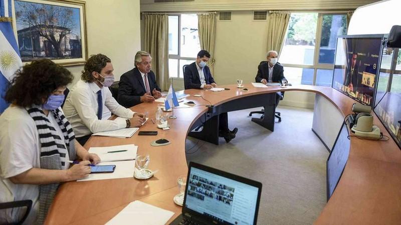 Fernández les propuso a los gobernadores un cierre de actividades de 23 a 6 en todo el país