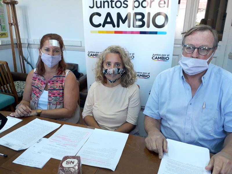 Juntos por el Cambio denuncia que hay vacunados VIP en Tres Arroyos y proyecta un registro
