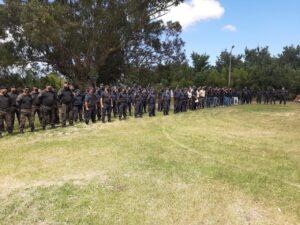 Impactante operativo policial en Reta. Allanamientos y detenciones. 80 policías en la calle