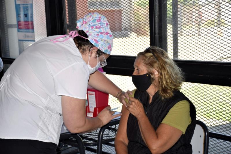 COVID 19: Se vacunaron más de 150 vecinos en San Cayetano