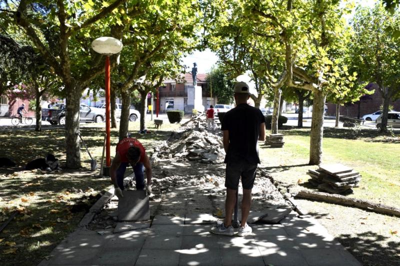San Cayetano: comenzó la remodelación de la plaza América
