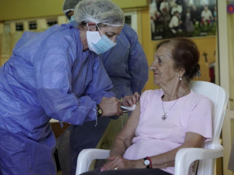 Operatoria de vacunación COVID en residencias de adultos mayores, salud mental y discapacidad