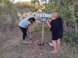 Colocan carteles indicativos para los turistas en Reta