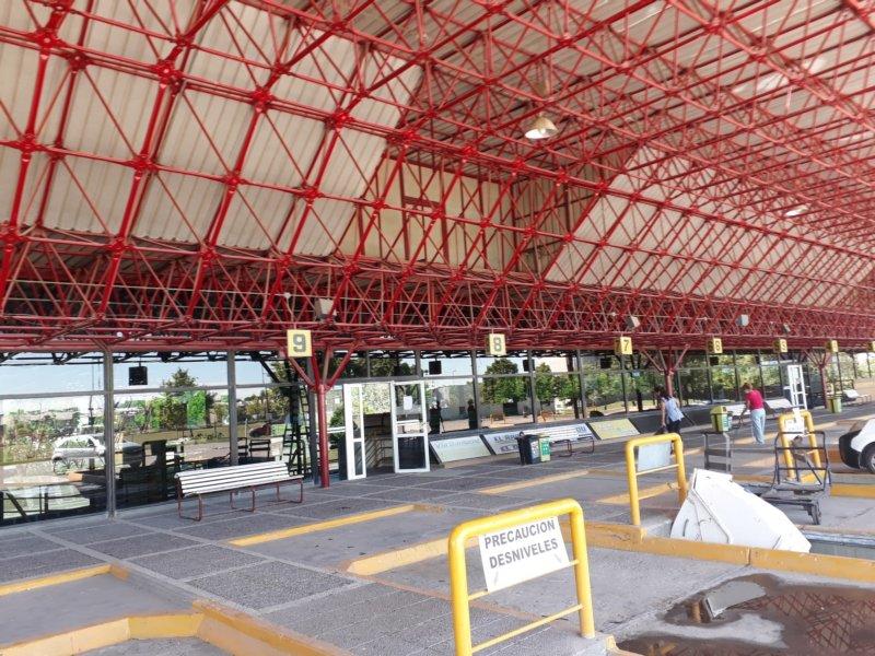 Impactante caída del movimiento de micros en la Terminal de Omnibus por la pandemia