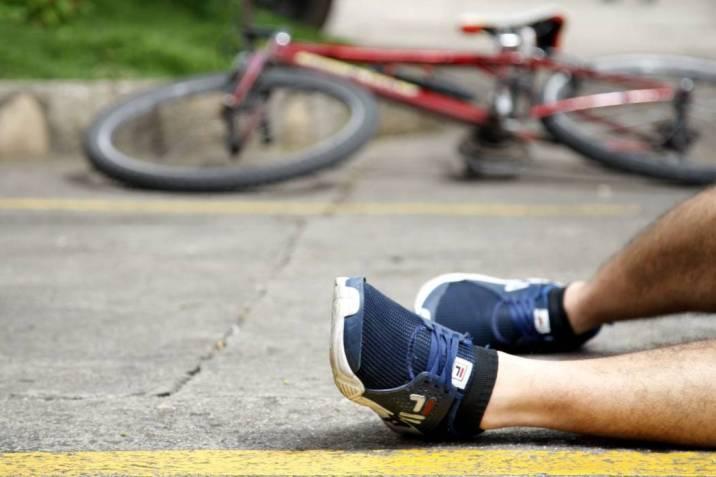 """Una nueva: """"motopateadores"""" de ciclistas"""